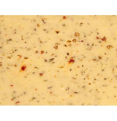 Syr gouda farmársky s bylinkami z Talianska, z kravského mlieka 48+ 5 - 6 týždňov zrejúci 1/2 bochníku (wheel) +/- 2,5 kg